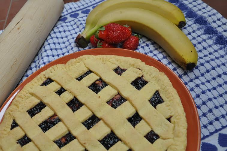 crostata con frutta e marmellata