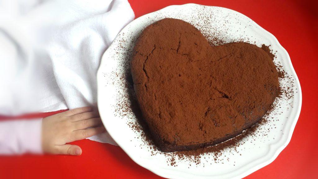 dolce al cioccolato senza glutine e vegan