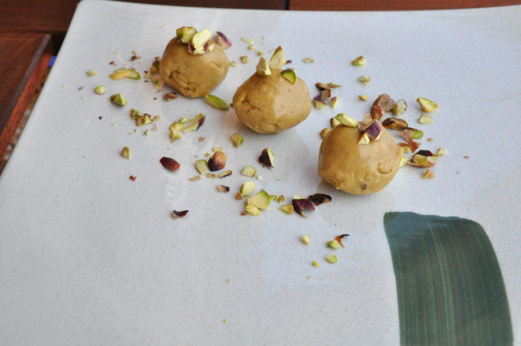 cucina-indiana-senza glutine-laddu besan